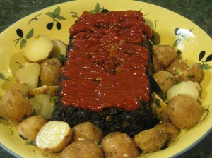 Meatloaf, taters and lots of ketchup. What could be more perfect?